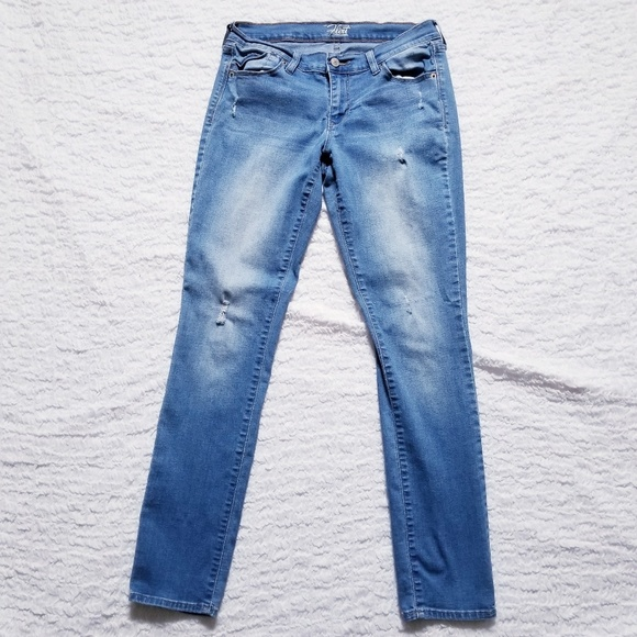 Old Navy Denim - The Flirt Skinny Factory Ripped Jeans by Old Navy